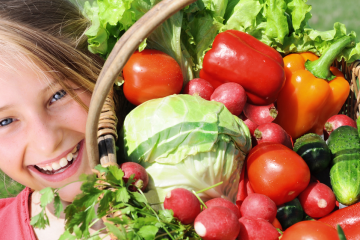 girl-with-vegetables